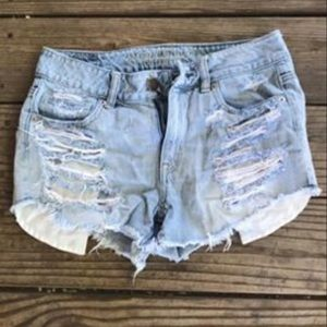 American Eagle mid rise shorts! Ripped sz 4